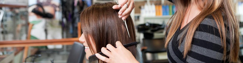 Friseur haare trocken schneiden